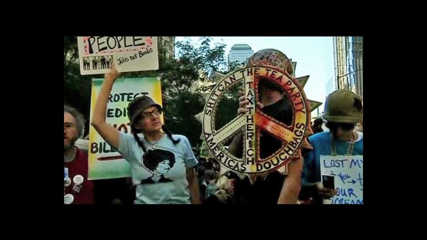 Video Davy demonstrantů zaplnily Wall Street