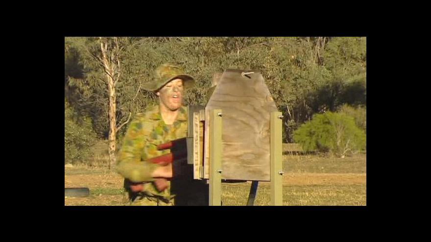 Video Australanky se dostanou do první linie