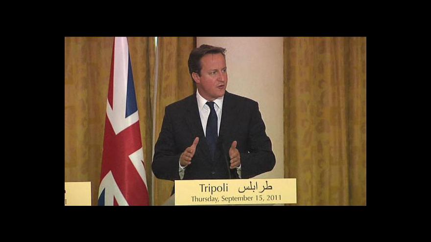 Video Cameron a Sarkozy slíbili povstalcům peníze