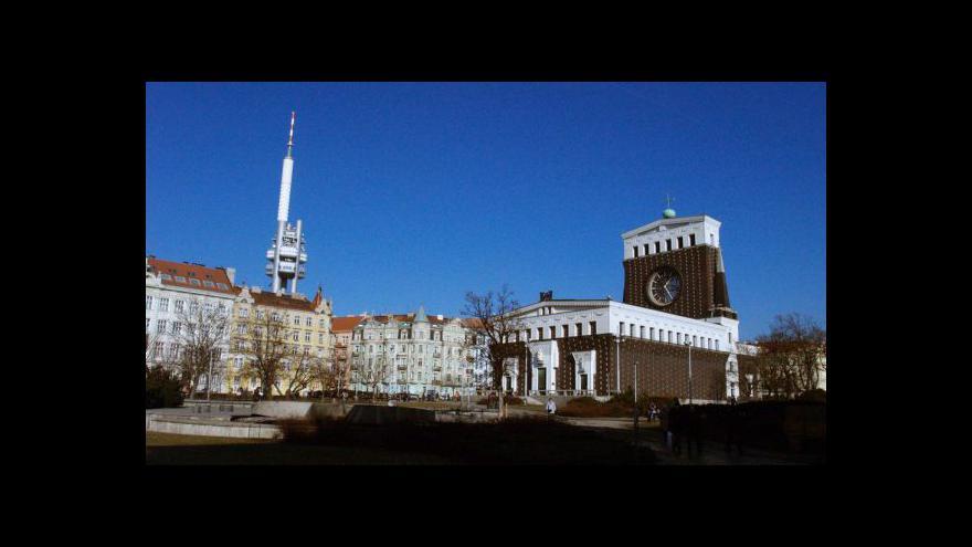 Video Rozhovor s kurátorem výstavy Damjanem Prelovškem