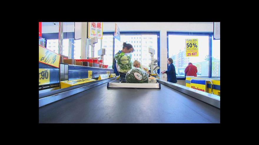 Video Obchodníci si naříkají, Češi nechtějí utrácet