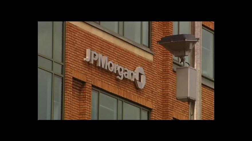Video Finanční domy pod palbou žalob