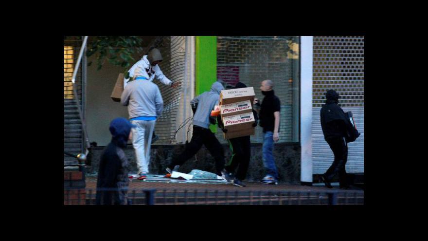 Video Londýnské rabování tématem Událostí, komentářů