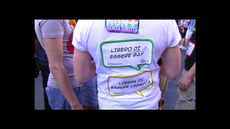 Video Do sporu o průvod Gayů se vložil premiér Nečas