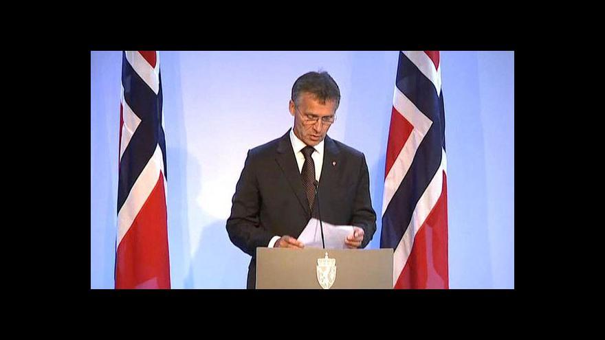 Video Brífink norského premiéra Jense Stoltenberga
