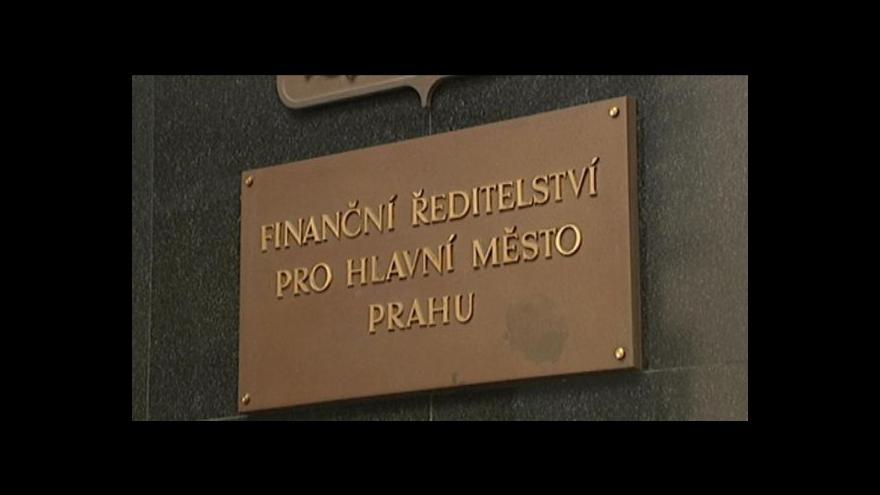 Video Komentáře Bedřicha Dandy a Julie Hrstkové