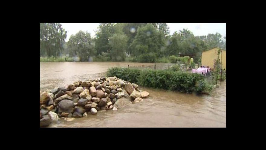 Video Velká voda pomalu opadá