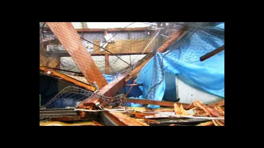 Video Japonsko zasáhl tajfun