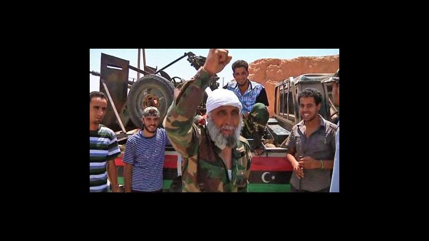 Video Libyjští rebelové postupují k Tripolisu