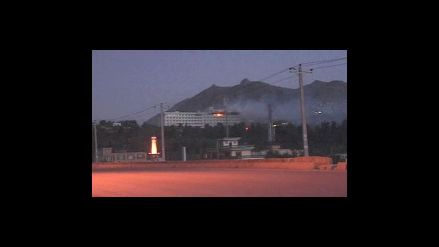 Video Povstalci napadli hotel v Kábulu