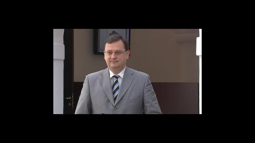 Video Brífink Petra Nečase