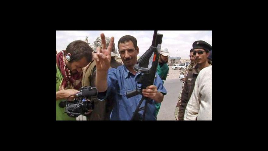 Video Řeč zbraní a diplomacie v Libyi