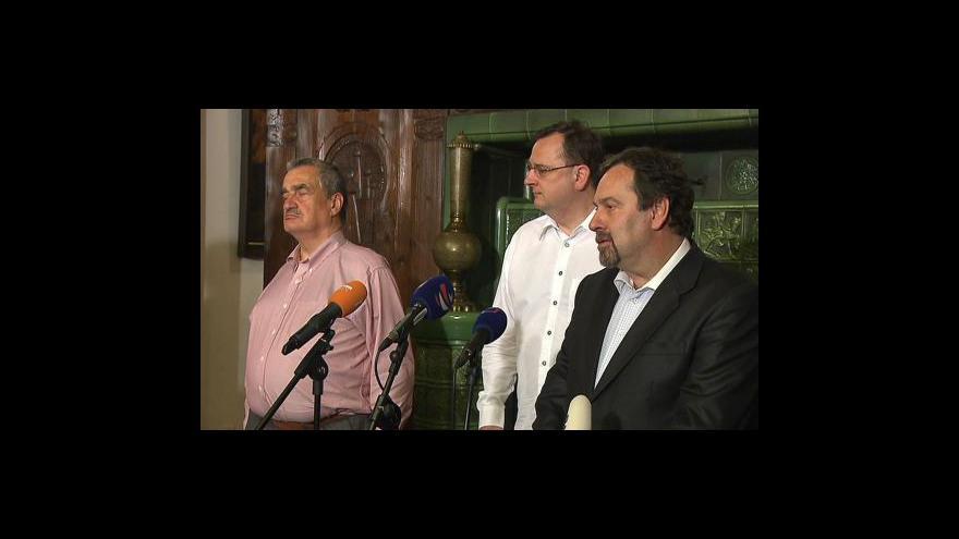 Video Jednání K9 o obměně vlády odloženo
