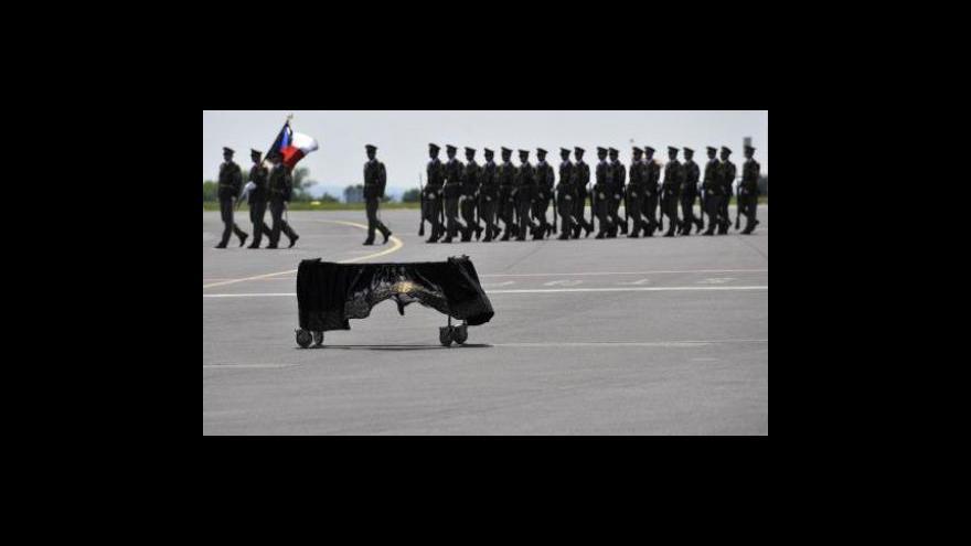 Video Kdo pomůže rodině padlého vojáka?
