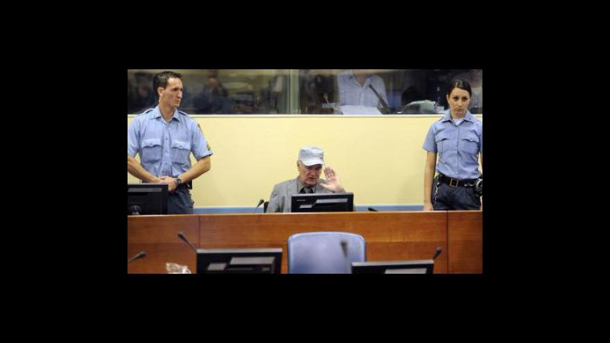 Video Mladić stanul před mezinárodním tribunálem