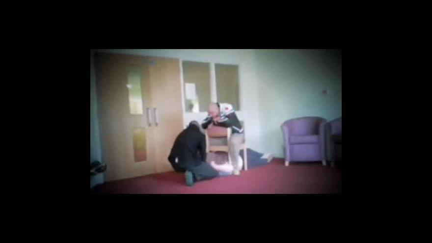 Video Záběry týrání pacientů na klinice Winterbourne View