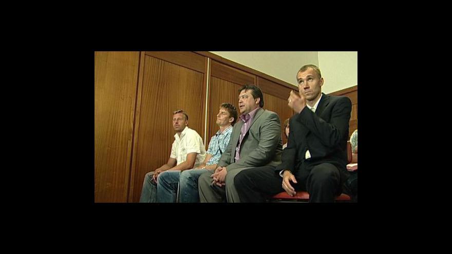 Video Soud stále rozplétá korupční kauzu