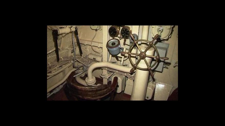 Video Nejstarší ponorka jde do důchodu