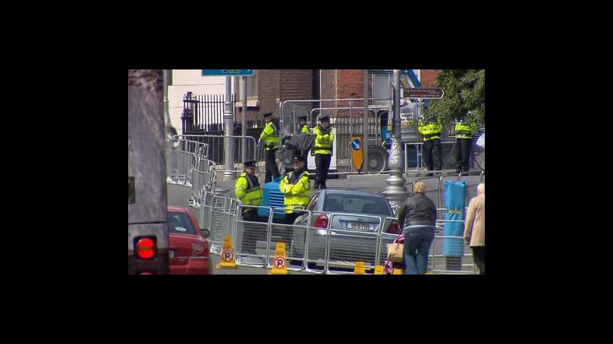 Video Královna přijela na návštěvu Irska