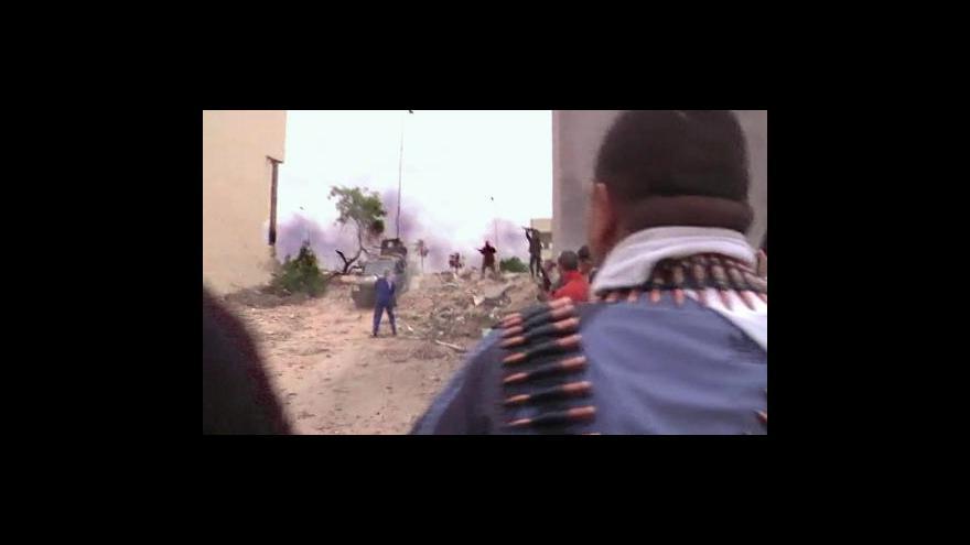 Video Mezinárodní trestní soud chce zatykače na tři Libyjce