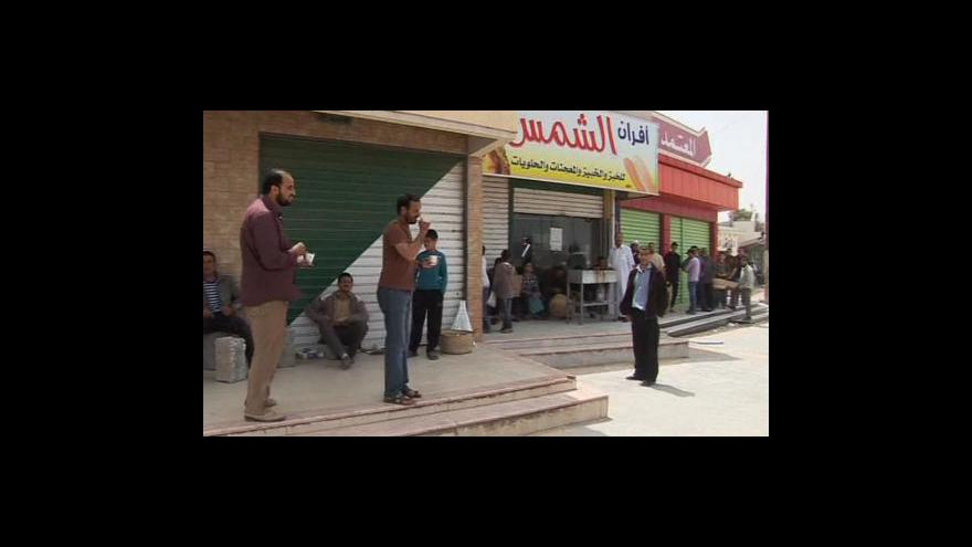 Video V Libyi docházejí potraviny