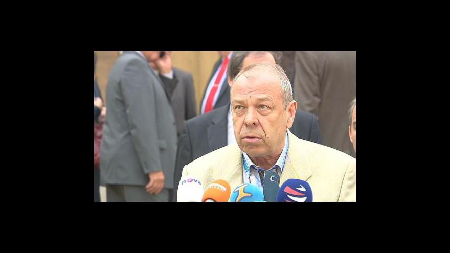 Video Brífink odborů po jednání tripartity