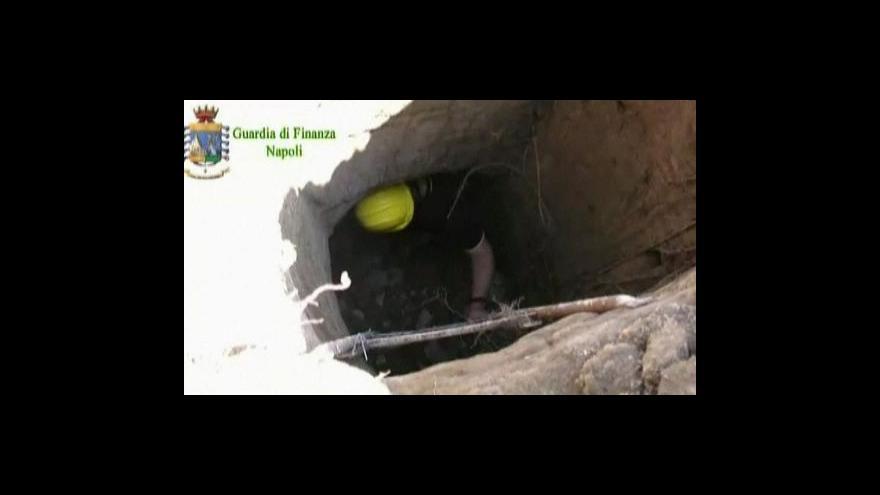 Video Hromada odpadků ukrývala staré římské mauzoleum