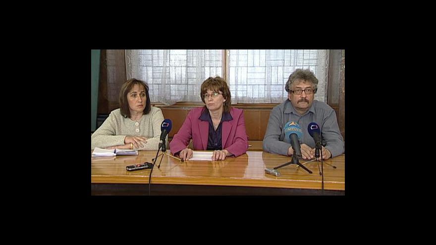 Video Brífink odborů a reakce ministra Drábka