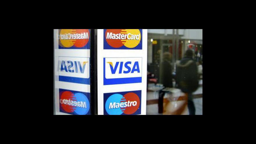 Video Třetina podniků změnila kvůli krizi banku