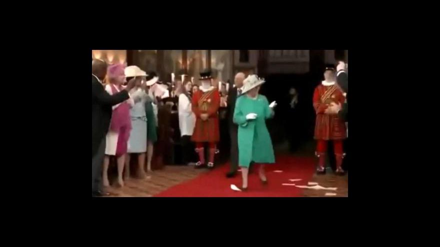 Video Reklama roztančila královskou rodinu