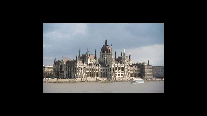 Video Maďarští poslanci schvalují novou ústavu