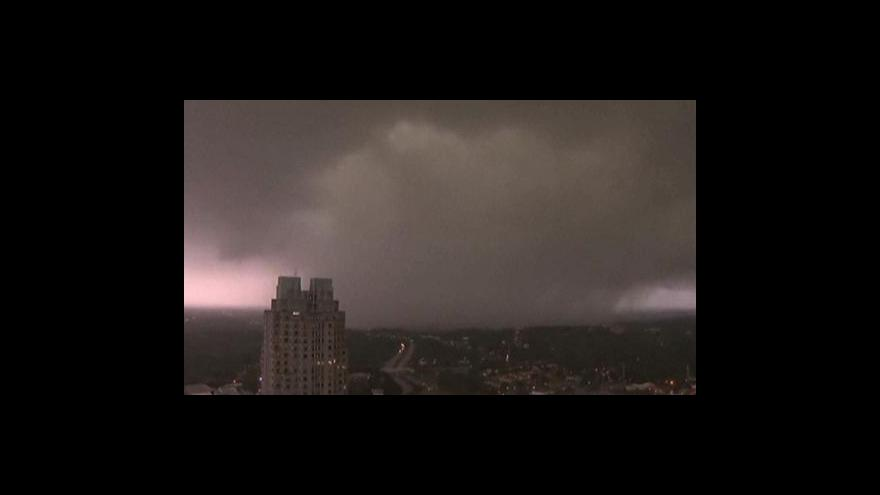 Video Výsledek řádění tornád v USA