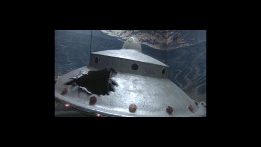 Video FBI odtajní materiály o UFO