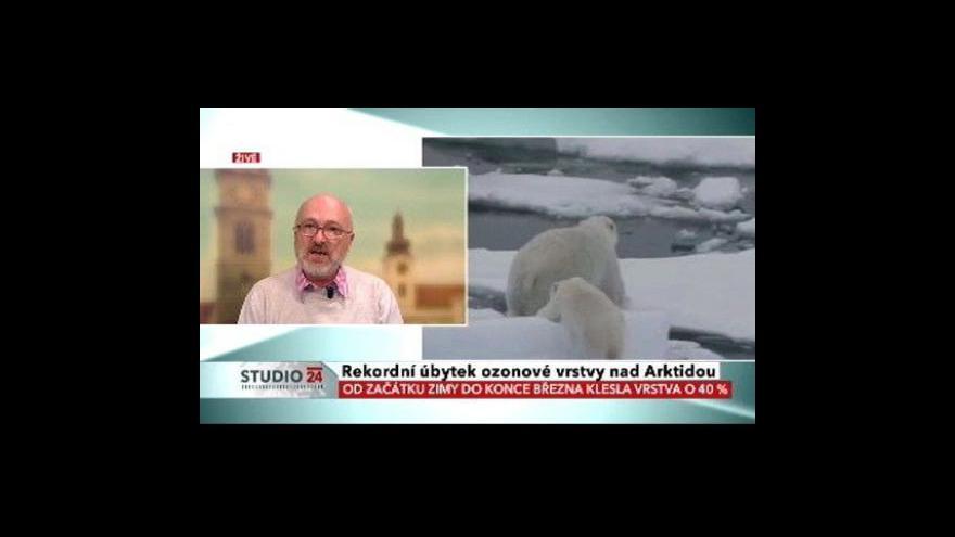 Video Nad Arktidou ubývá ozon
