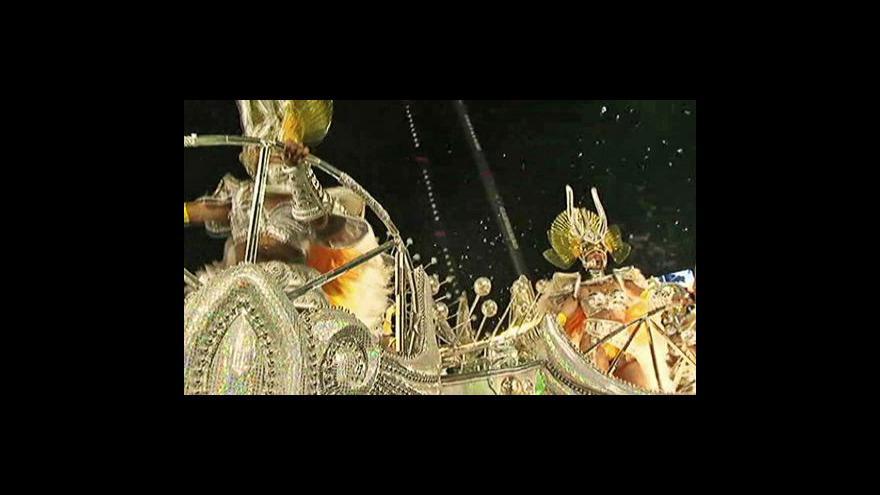 Video Sezona karnevalů v plném proudu