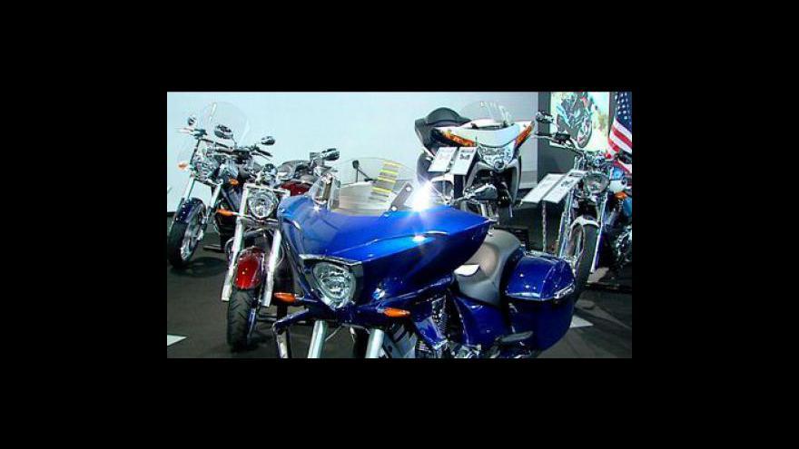 Video Výstavy motocyklů přilákaly davy lidí