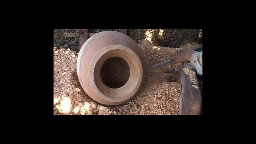 Video Indové přestávají vyrábět tradiční vázy