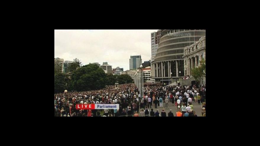 Video Nový Zéland uctil památku obětí zemětřesení