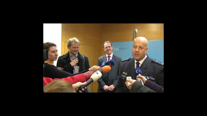 Video Brífink Lessyho k prioritám policie