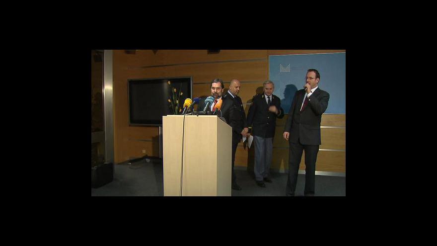 Video Brífink ministra vnitra Radka Johna