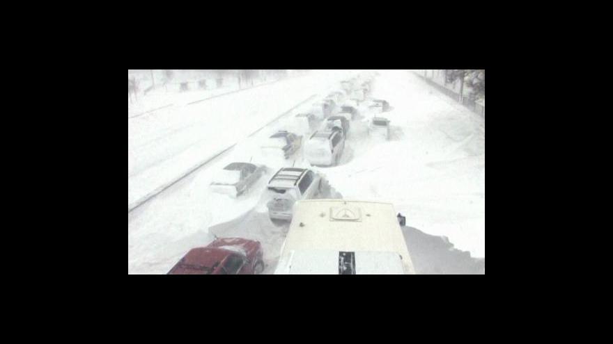 Video Na USA udeřila sněhová bouře