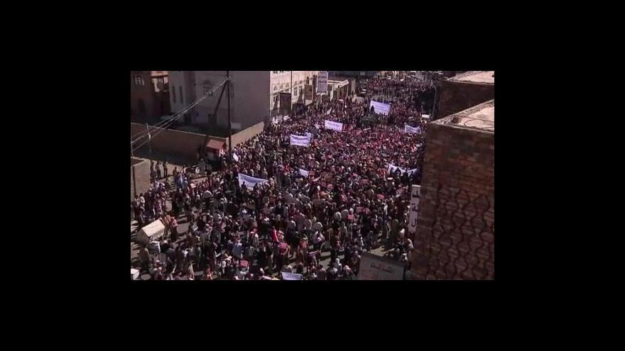Video Egyptská policie zatýká opozici a blokuje internet