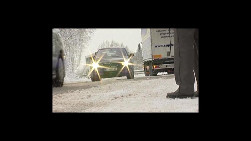 Video Sníh zkomplikoval dopravu