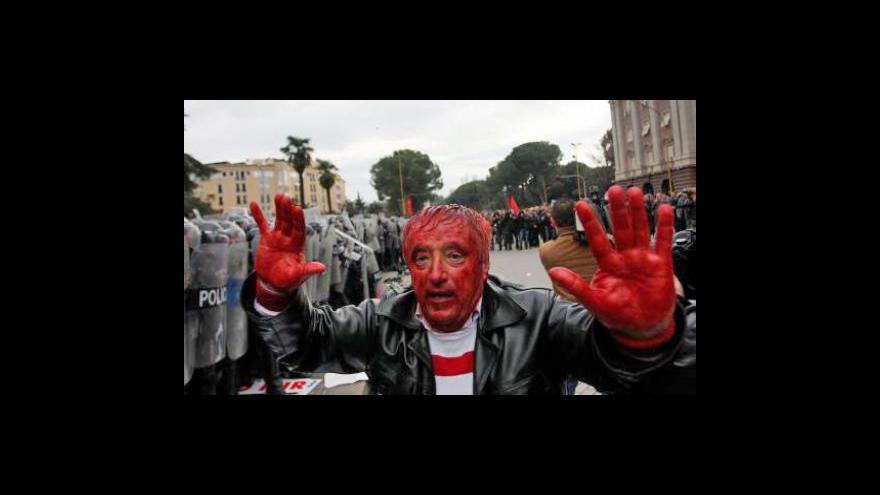 Video Při demonstraci v Albánii tekla krev