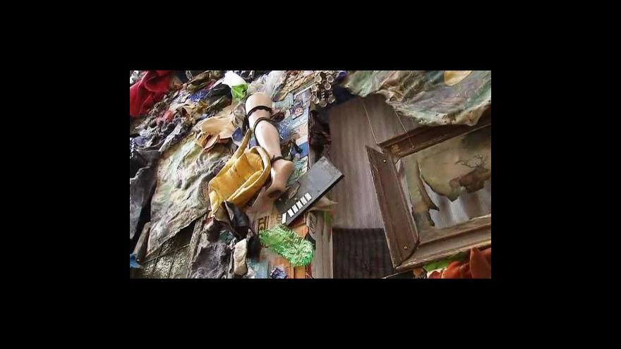 Video V Madridu stojí Hotel z odpadků