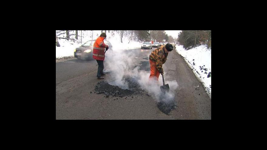 Video Bárta chce zatočit s děravými silnicemi