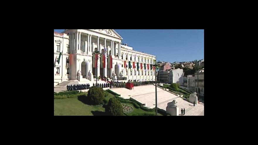 Video Portugalsko prodalo dluhopisy