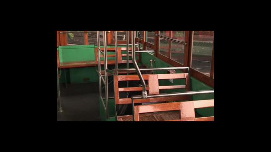 Video Hongkong se zbaví tradičních tramvají
