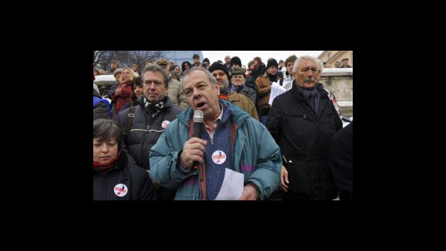 Video Záznam protestního shromáždění na Palackého náměstí