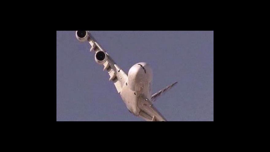 Video Airbusy měly problémy s olejem v motoru